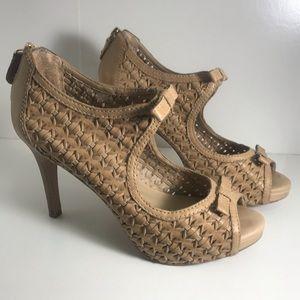 Shoes - Arezzo Sandals 👡